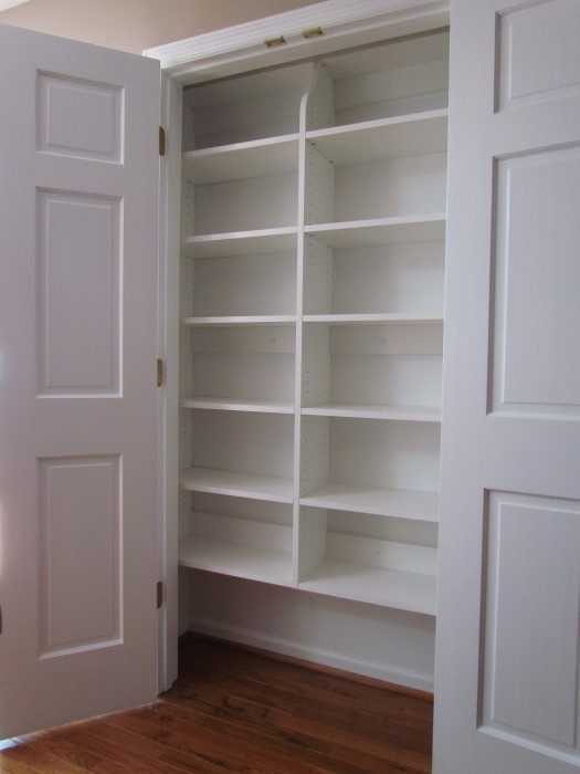Reach In Linen Closet As A Pantry