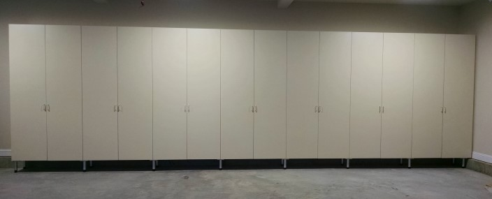 Good Long Garage Wall Of Cabinets ...