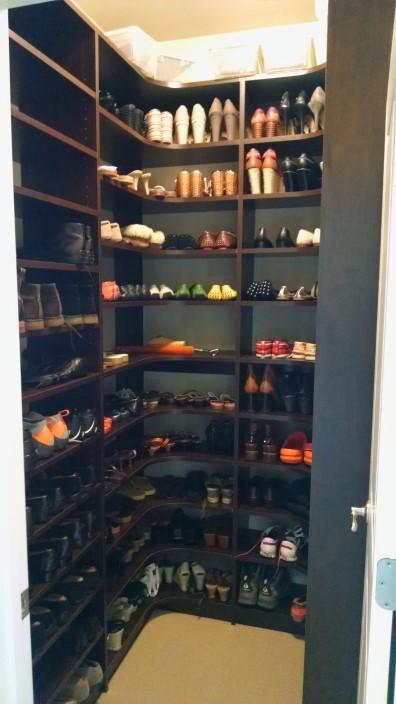 Shoe Closet Corner Shelves