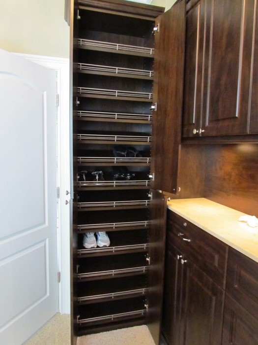 Triple Shoe Shelves With Crown Molding