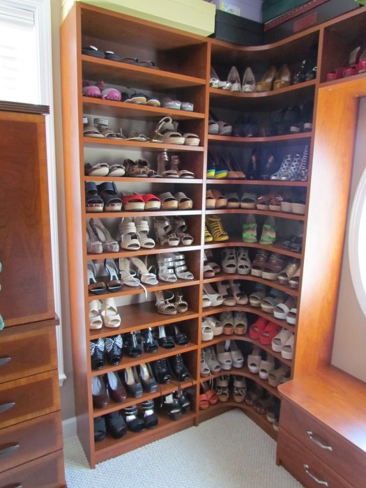 Corner Shelves Maximize Space