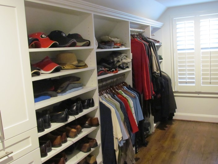 Hanging, Shaker Hutch And Shelves With Crown Molding Galley Closet ...