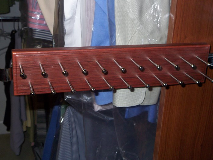 Sliding Tie Rack