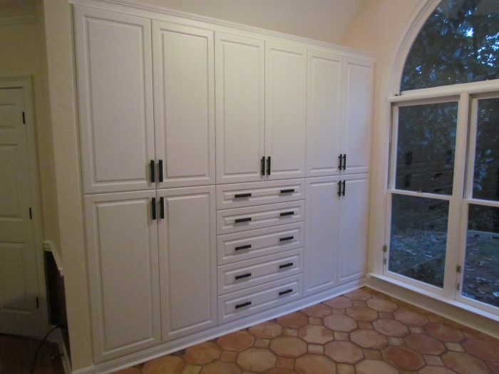 Built In Storage Solution With Custom Pulls ...