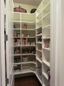 Wall Hung Walk-in with Corner Shelves