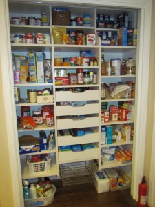 Reach-in Pantry with Pullouts