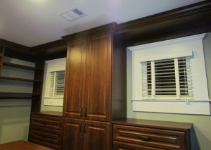 Valance with Crown-to-Ceiling Molding