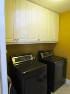 Upper Lexington Cabinets in Breezeway with Satin Nickel Knobs