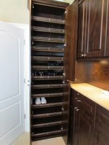 Shoe Cabinet with Fences