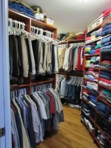 Walk-in Closet Maze