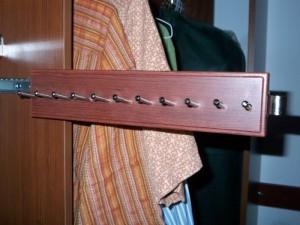 Sliding Belt Rack