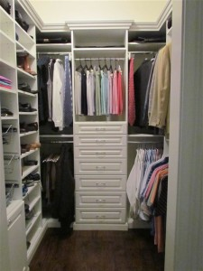 His Walk-in w Drawers, Baskets, Shelves