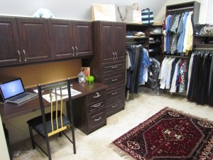 Walk in Closet w Home Office Nook