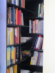Overlapping Corner Book Shelves
