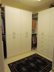 Uncluttered Walk-in